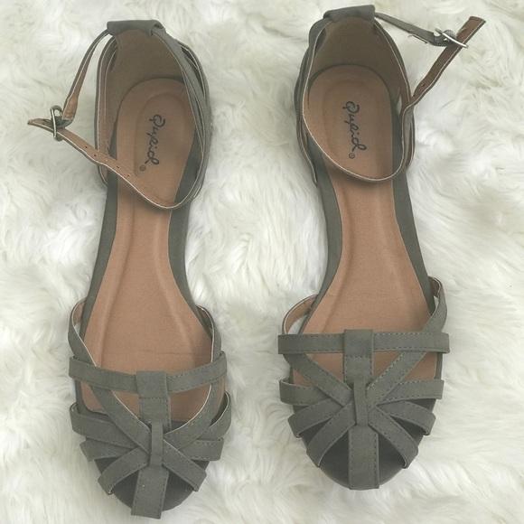 Qupid Olive Caged Toe Flat Sandals